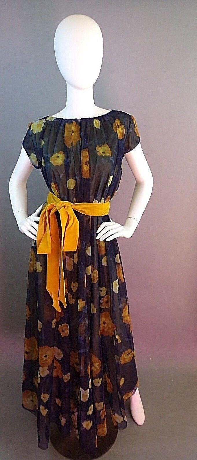 VINTAGE LUCIE ANN BEVERLY HILLS 1950s NIGHTGOWN - image 3