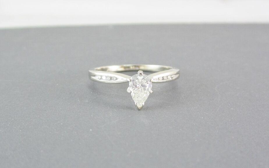 ESTATE 14K WHITE gold 0.65CT DIAMOND SOLITAIRE ENGAGEMENT RING GIA  2,757.00