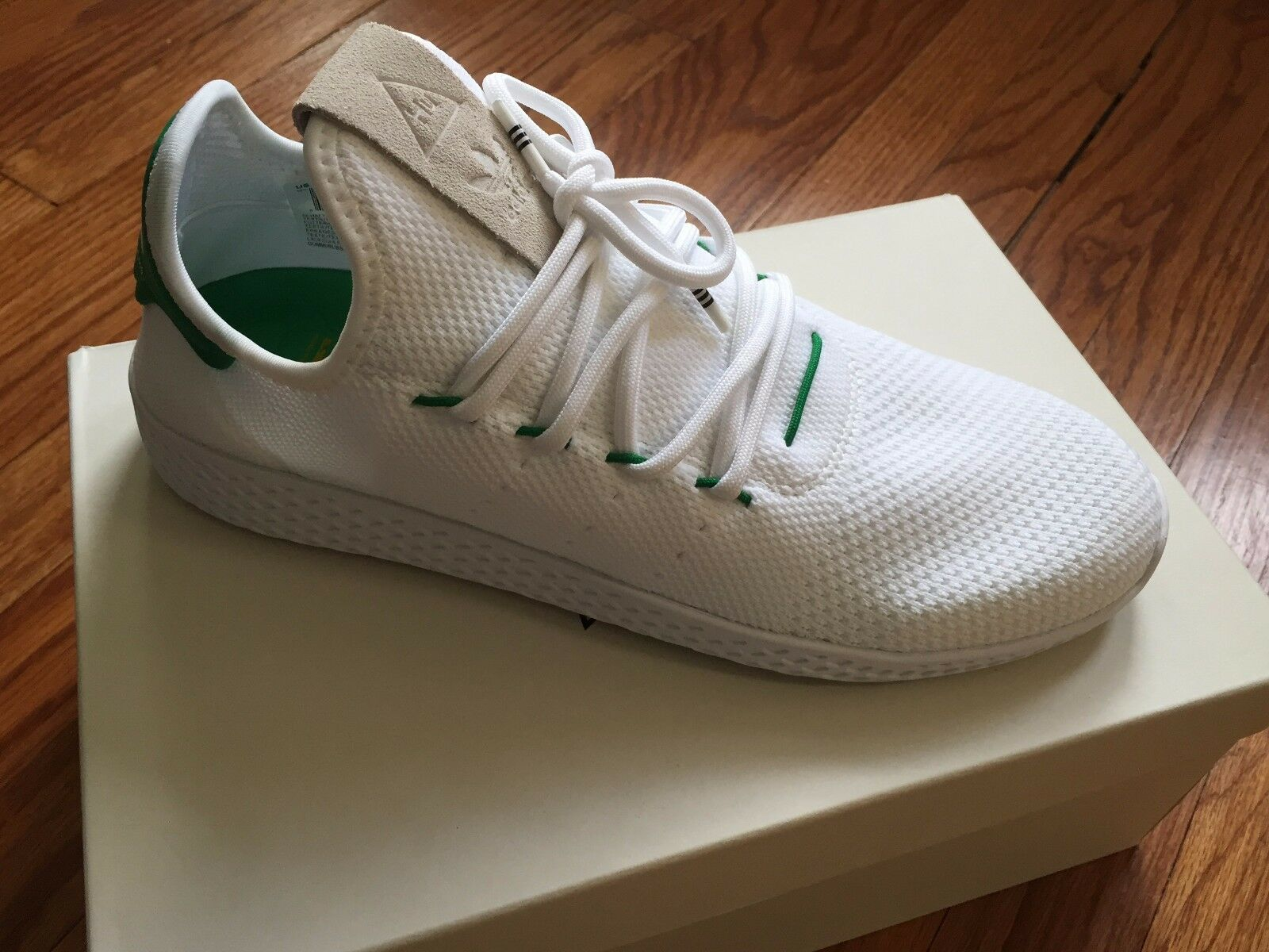 ADIDAS PW GREEN PHARRELL WILLIAMS HU TENNIS GREEN PW 100% AUTHENTIC DS Size 9 6e5618
