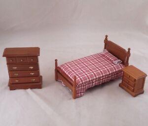 Chambre A Coucher Lit Maison De Poupee Meubles Miniatures 3pc T0506