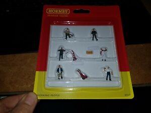 OO-gauge-HORNBY-R7117-Figures-Working-People-Men-trolleys-box-hammer-pick-axe