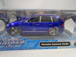 01:18 Maisto Playerz # 31070 Porsche Cayenne Turbo Bleu - Rare