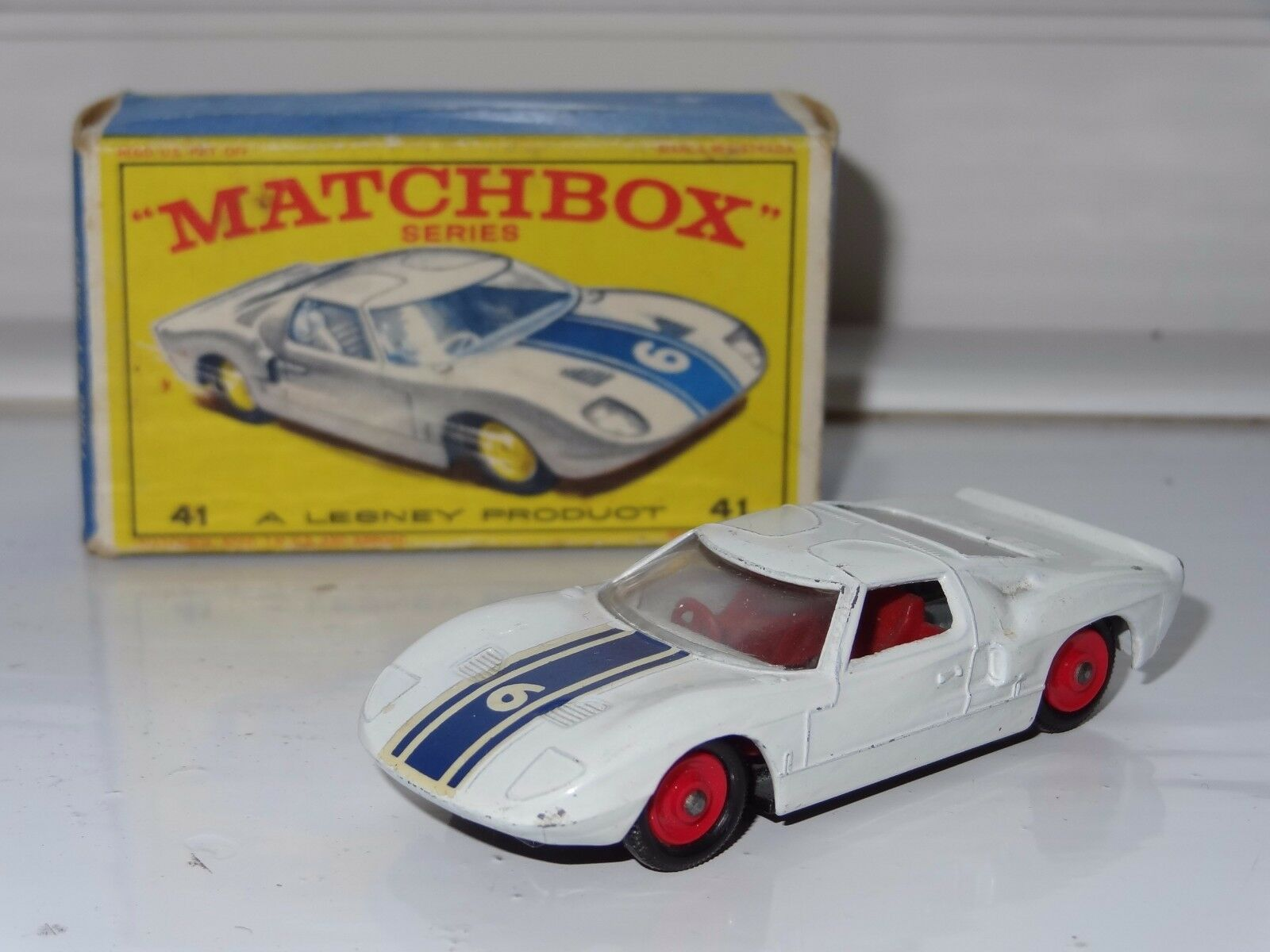 (V) matchbox FORD GT - rot hubs - 41
