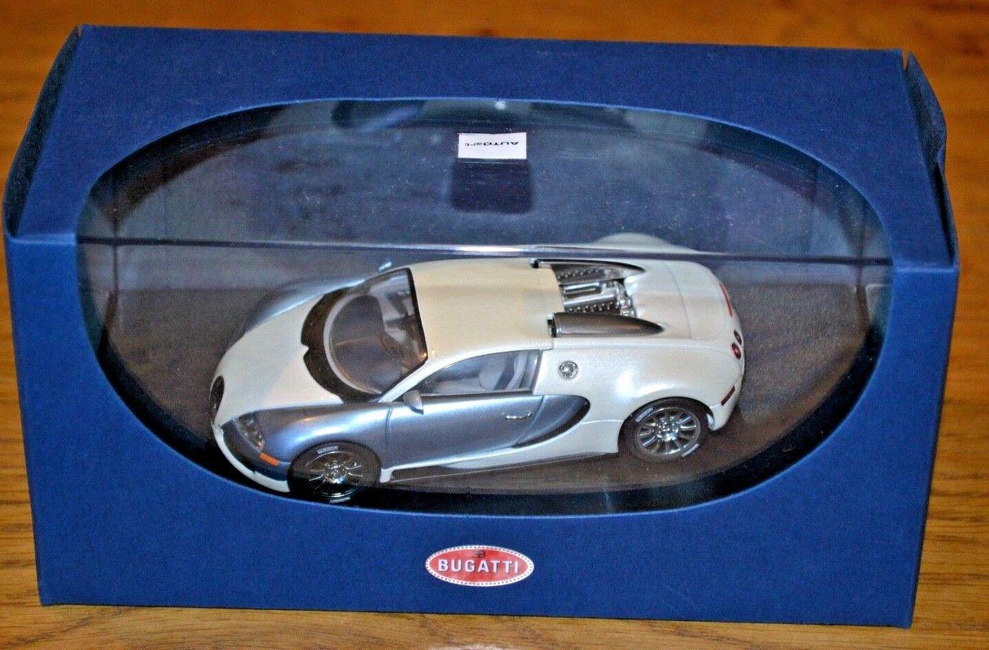 Autoart 1 43 Bugatti 16.4 Veyron; Cream and bluee Metallic  near mint