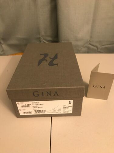 Gina vide Chaussures Boîte-papier tissu.