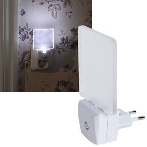 led nachtlicht mit sensor f r steckdose nachtlampe orientierungslicht notlicht ebay. Black Bedroom Furniture Sets. Home Design Ideas