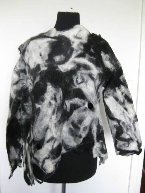 INKEN GADDASS FELTED ART TOP O S NWOT