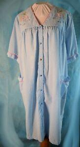 Seersucker-LIGHT-BLUE-SNAP-UP-House-Dress-Embroidered-M-L