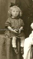 RPPC LOVELY YOUNG FAMILY w DOLL-LIKE LITTLE GIRL ANTIQUE PHOTO POSTCARD EUROPE