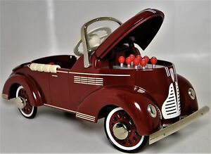 Pedal-Car-1940-Buick-Vintage-Metal-Collector-Opening-Hood-gt-7-5-Inches-in-Length