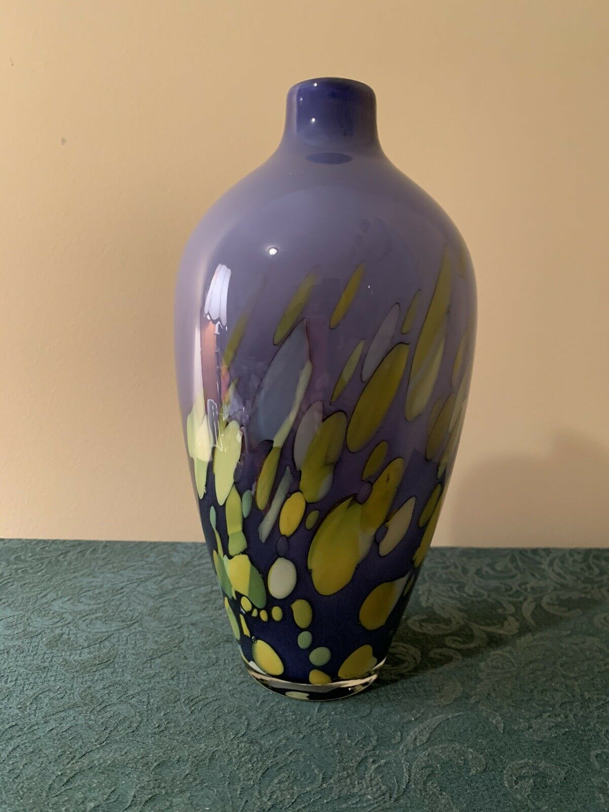 Handmade Home D/écor high quality purple Glass Vase approx 9inch