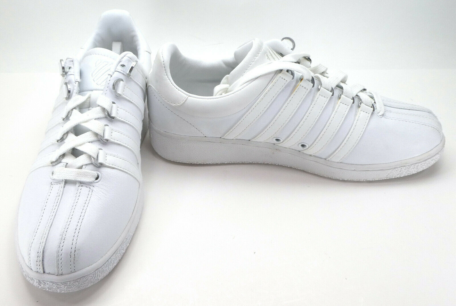 K-Swiss shoes Classic Athletic White Sneakers Size 8.5