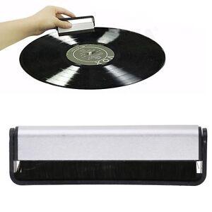 Schallplattenreinigung-Carbon-Antistatik-Vinyl-Buerste-Turntable-Reinigung-DE