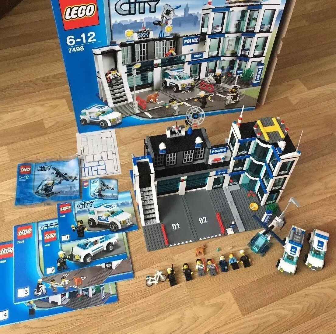 LEGO City 7498 Police Station - With Box Instructions Inc Helicopter Discontinue