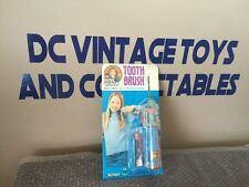 """1976 VINTAGE KENNER THE BIONIC WOMEN """"BATTERY POWERED TOOTH BRUSH"""" MOSC"""