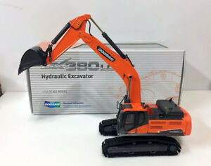 Rare!!! Doosan DX380LC-9C Hydraulic Excavator 1/50 Scale Die-Cast Model * NEW*