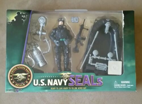 Navy Seal Figure Playset with Accessories and Combat Rubber Craft New. U.S