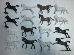 Convolute-16-Merten-Plastic-Figures-Ritterpferde-Blanks-to-4cm