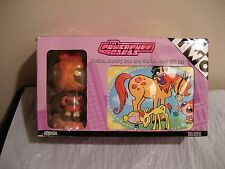 THE POWERPUFF GIRLS musical jewelry box and wobble head gift set, new in box