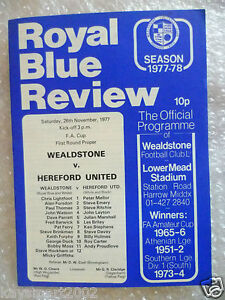 1977 WEALDSTONE v HEREFORD UNITED FA Amateur Cup 1st RD Proper - ilford, Essex, United Kingdom - 1977 WEALDSTONE v HEREFORD UNITED FA Amateur Cup 1st RD Proper - ilford, Essex, United Kingdom