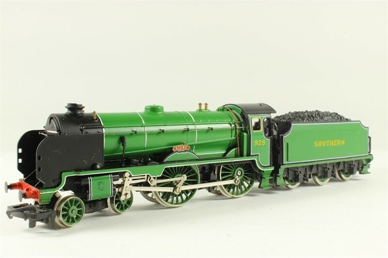 Hornby R380 Schools Class V 4-4-0 'Stowe' 928  Mint boxed