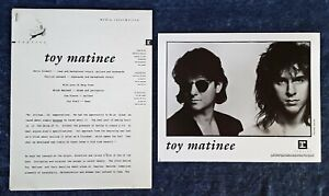 TOY-MATINEE-8-034-X-10-034-BLACK-amp-WHITE-PUBLICITY-PHOTO-5-PAGES-OF-INSERTS