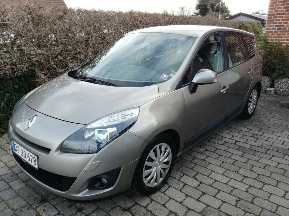 Renault Grand Scenic III, 1,9 dCi 130 Expression 7prs,