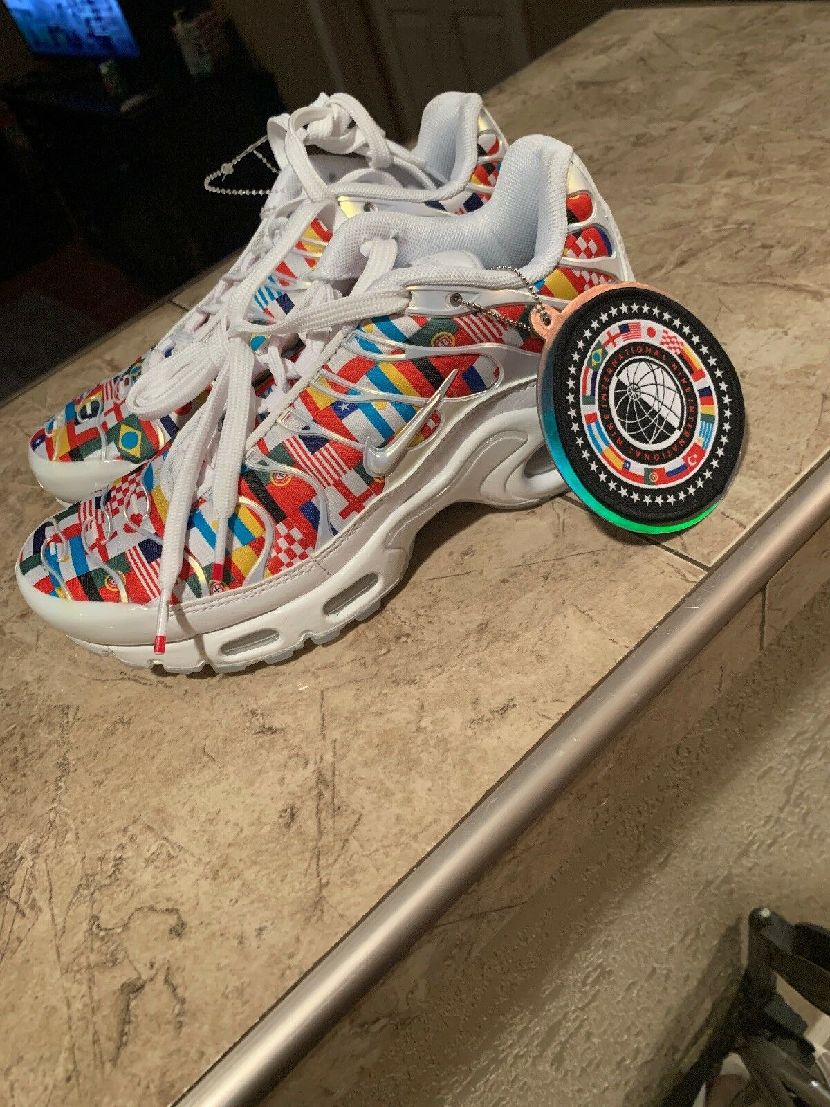 Nike Air Max Plus NIC FIFA World Cup International Flag Pack Sneakers AO5117-100