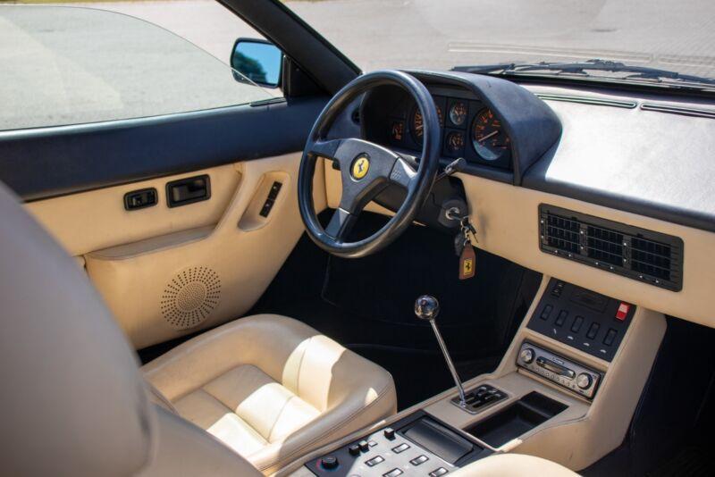 Ferrari Mondial t - 8