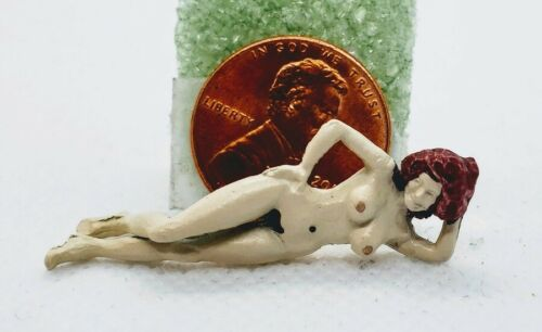 Naked #1457 1:48 Arttista Woman Laying Down in the Nude O Scale