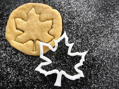 Canada Flag Maple Leaf Cookie Cutter 01UK Seller
