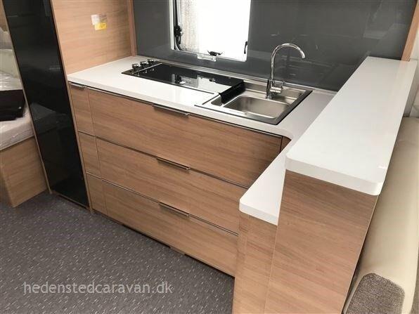 Adria Adora 613 UL, 2019, kg egenvægt 1455