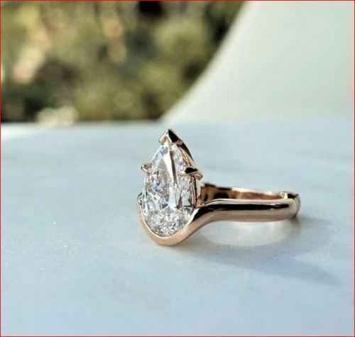 White Pear Cut Moissanite 3.0Ct Solitaire Engagement Ring In 925 Sterling Silver