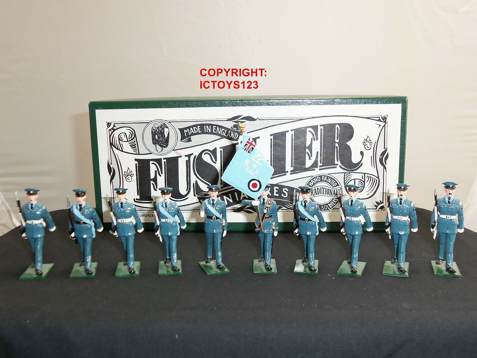 FUSILIER MINIATURES BRITISH RAF COLOUR PARTY + AIRMEN METAL TOY SOLDIER SET