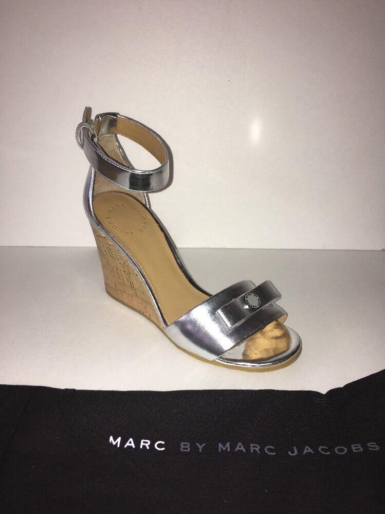 Marc Av Marc Jacobs M900062 Kvinnor Öppna Öppna Öppna Toe Synthetic Wedge Sandal EU 35 USA 5  bästa kvalitet
