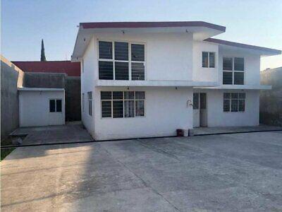 Casa en Col Antonio Barona, con acceso a la autopista