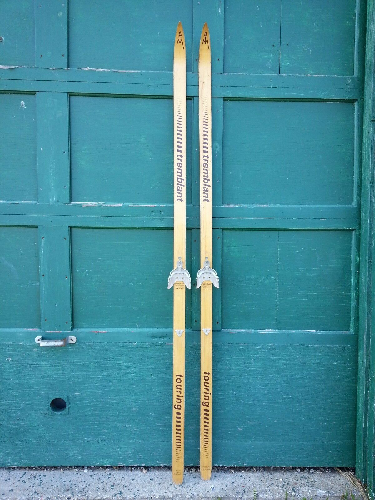VINTAGE Set 82   Long Wooden Skis with Blond Finish with Metal Bindings  the best selection of