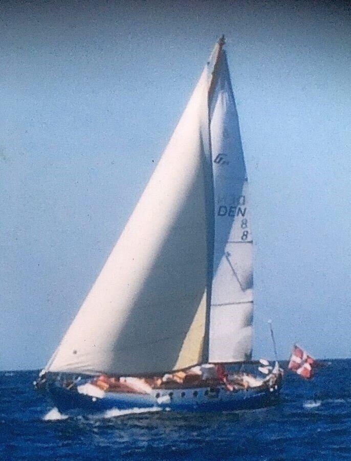 37 fods langturs sejler