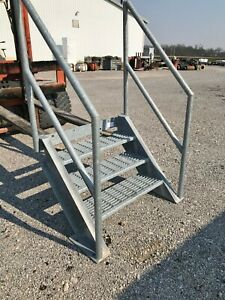 Custom Industrial Stairs 3-step Galvanized Steel Hand Rail