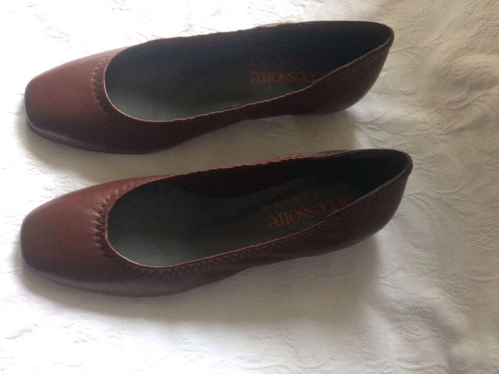 Accessoire Diffusion Chaussures Pointure 37 Tout Cuir Marron Neuves
