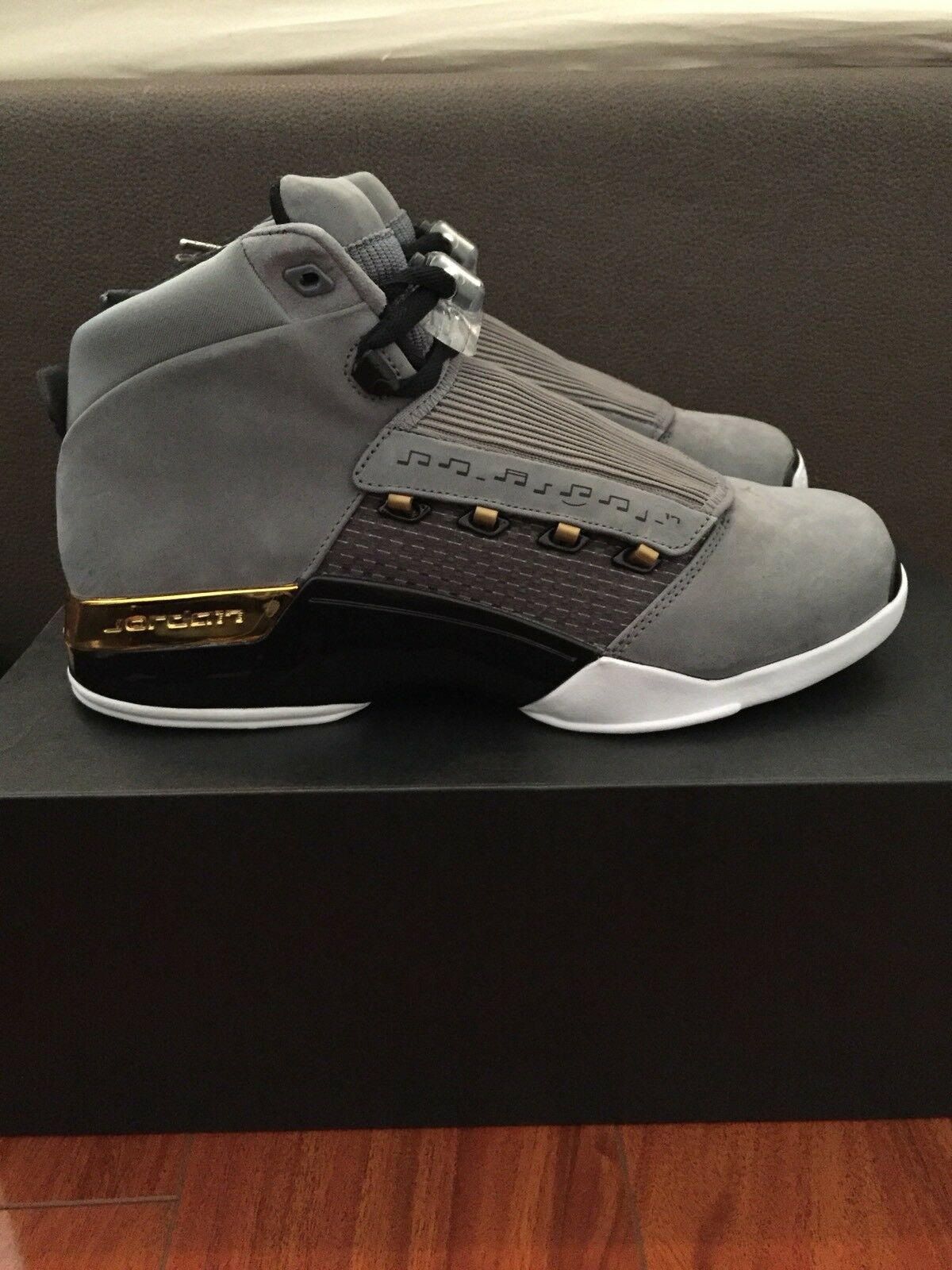 Nike Air Jordan 17 Trophy Room Grey Metallic J17 AH7963 023 Sz 8.5