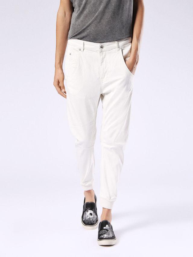 Neu Diesel Damen Jeans W23 Fayza-W Hose Boyfried Style Weiß