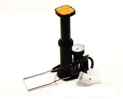pompa a pedale completa di manometro in plastica con inserti in acciaio BETO bi