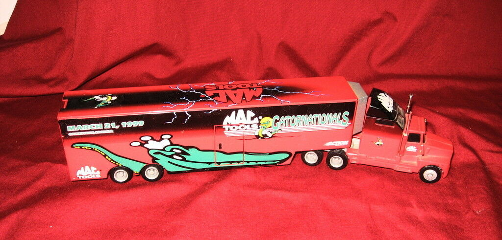 Action Collectibles Mac Tools Limited Ed 1 64 Scale 1999 Gatornationals Hauler