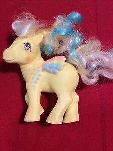 My-Little-Pony-G1-Vintage-Rainbow-Curl-Ringlet-Pegasus-Yellow-MLP