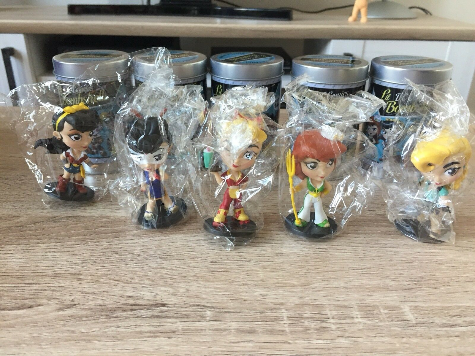 Lot DC Bombshells Mini Mystery Blind