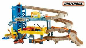 Matchbox-4-Level-Garage-Includes-Spiral-Ramp-Gas-Pump-Track-Elevator-Tow-Truck