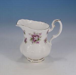 Royal-Albert-034-Sweet-Violets-034-Milchkaennchen