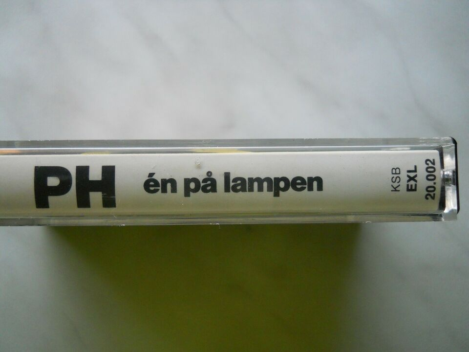 P.H.: En på lampen, andet