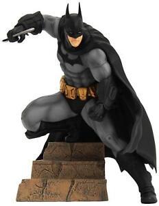 Batman-Arkham-City-Batman-ArtFX-1-10-Scale-Figure-SV100-Brand-New-Sealed-Box